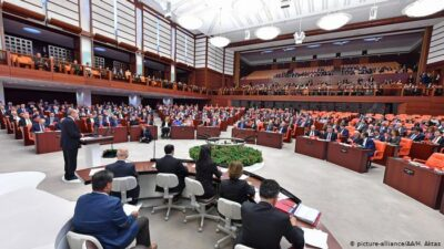 Mecliste sahte sözleşme metni sunulmuş