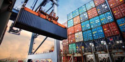 Ya ithalat serbestisi ya ihracata sınırlama