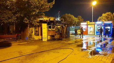 Bakırköy'deki Halk ekmeği büfesi yakıldı