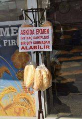 Fakir ekmek derdinde